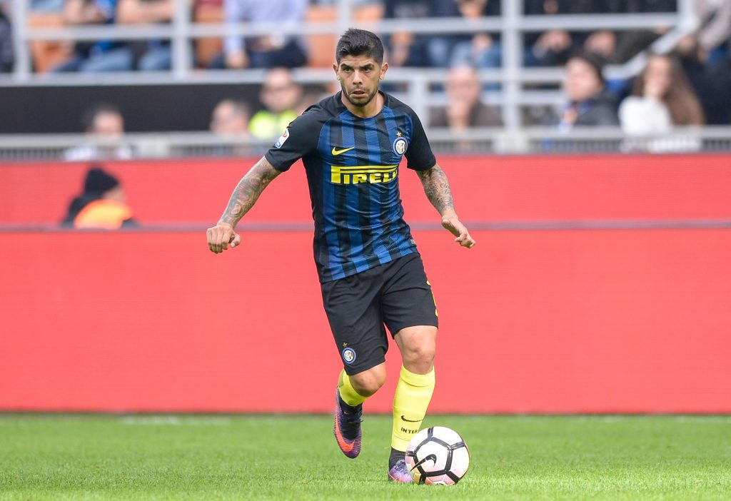 H4GT2E Milan, Italy. 16th Oct, 2016. Ever Banega of FC Internazionale in action during the Serie A football match between FC Internazionale and Cagliari Calcio. Cagliari Calcio wins 2-1 over FC Internazionale. © Nicolo Campo/Pacific Press/Alamy Live News