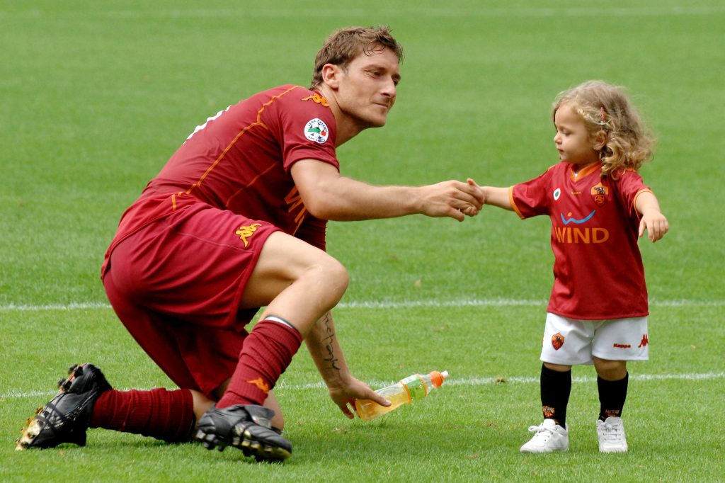 BCYKNG francesco totti with daughter chanel, roma 2009