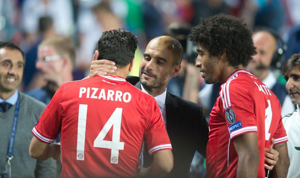 DDJ4W7 Pep Guardiola, Claudio Pizarro, Dante