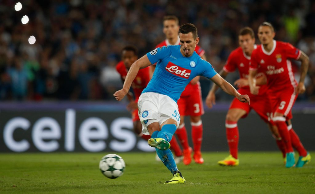 H2HX6E Naples, Italy. 28th Sep, 2016. Napoli's Arkadiusz Milik scores on a penalty kick during the Champions League Group B soccer match between Napoli and Benfica at the San Paolo stadium. Napoli won 4-2. © Isabella Bonotto/Pacific Press/Alamy Live News