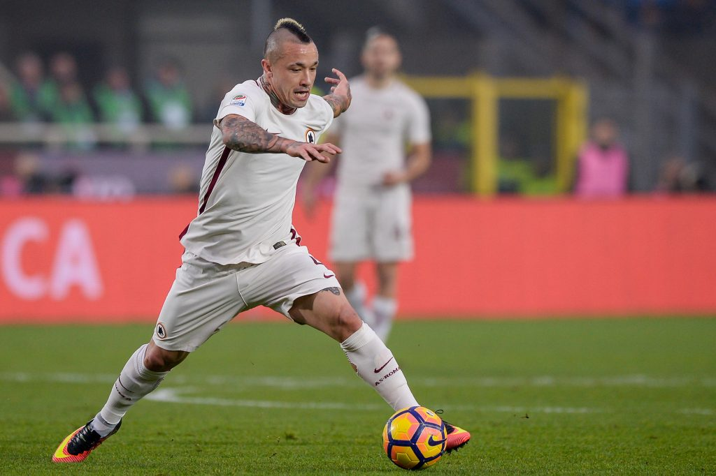 H990F3 Bergamo, Italy. 20th November, 2016. Radja Nainggolan of AS Roma in action during the Serie A football match between Atalanta BC and AS Roma. © Nicolo Campo/Alamy Live News