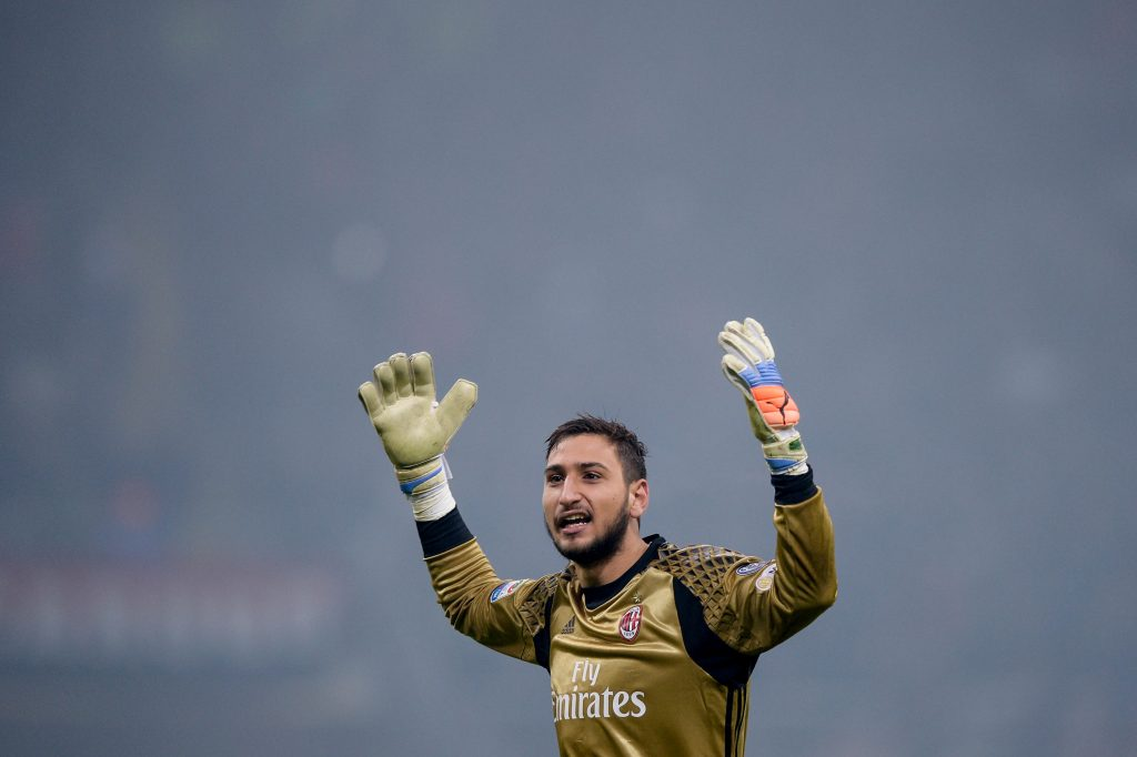 H9937K Milan, Italy. 20 november: Gianluigi Donnarumma of AC Milan celebrates after a goal of AC Milan during the Serie A football match between AC Milan and FC Internazionale.