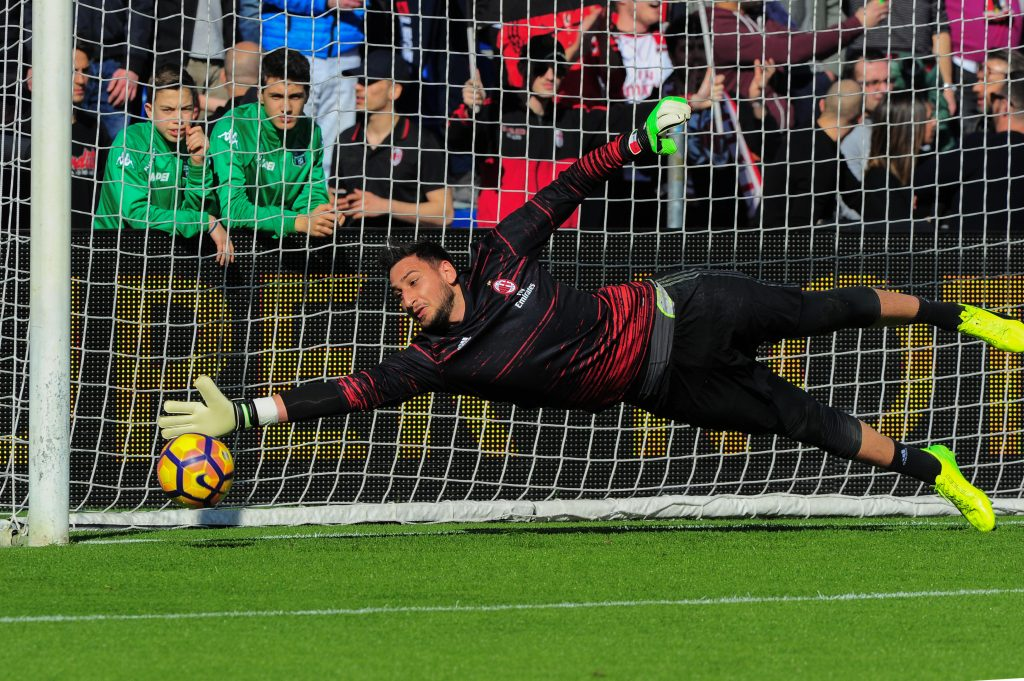 HR6JAG Reggio Emilia, Italy. 26th Feb, 2017. A.C. Milan beat by 1 to 0 on U.S. Sassuolo: for A.C. Milan the goal is scored by Carlos Arturo Bacca Ahumada In the pic: Gianluigi Donnarumma A.C.Milan's goalkeeper and national team of Italy before the Italian Serie A football match between US Sassuolo Calcio vs Ac Milan at Mapei Stadium in Reggio Emilia ph Massimo Morelli Credit: Massimo Morelli/Pacific Press/Alamy Live News
