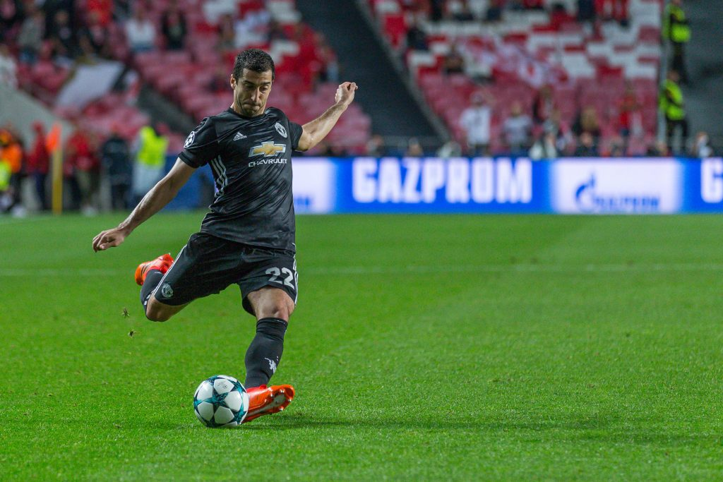KE3YKH Lisbon, Portugal. 18th Oct, 2017. October 18, 2017. Lisbon, Portugal. Manchester UnitedOs midfielder from Armenia Henrikh Mkhitaryan (22) during the game of the 3rd round of the UEFA Champions League Group A, SL Benfica v Manchester United FC Credit: Alexandre de Sousa/Alamy Live News