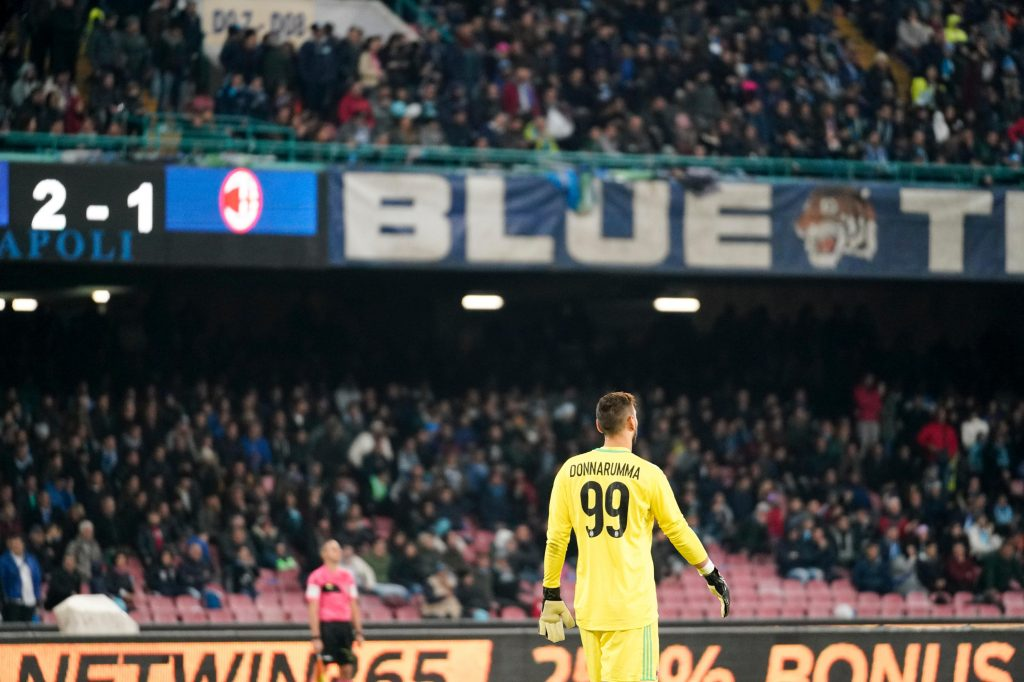 KHT8AB Napoli, Italy. 18th Nov, 2017. Naples - Italy 18/11/2017 GIANLUIGI DONNARUMMA of AC MILAN during Serie A match between S.S.C. NAPOLI and AC MILAN at Stadio San Paolo of Naples. Credit: Emanuele Sessa/Pacfic Press/Alamy Live News