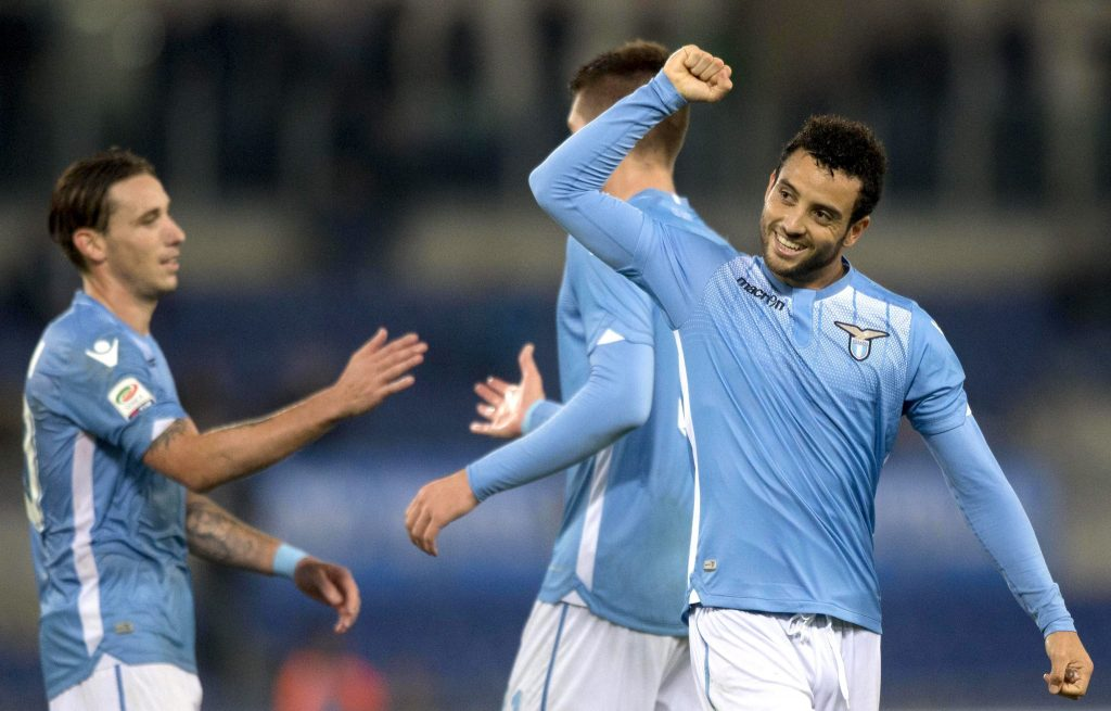 epa04995892 Lazio's Felipe Anderson jubilates after scoring the 3-0 goal during Serie A soccer match SS Lazio - Torino FC at Olimpico Stadium in Rome, Italy, 25 October 2015.  EPA/CLAUDIO PERI